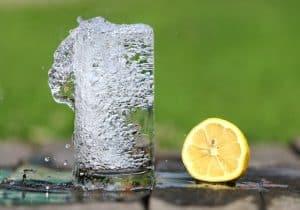 Wie viel Wasser täglich trinken gesund ist