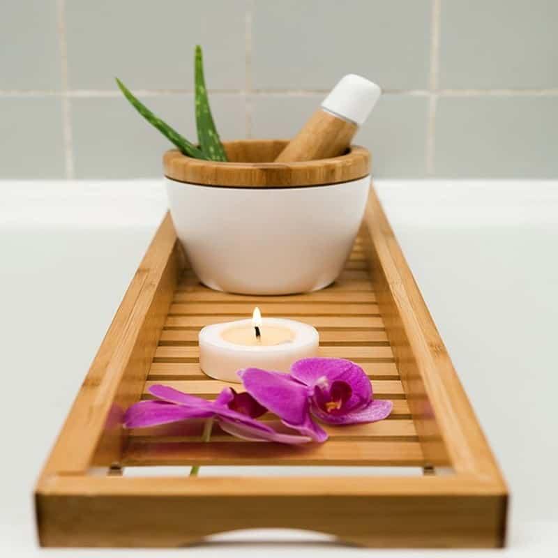 nat rliche badewannenablage aus bambus holz careelite. Black Bedroom Furniture Sets. Home Design Ideas
