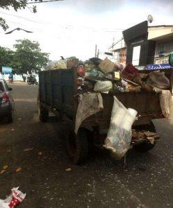 Plastikmüll-Recycling auf Sri Lanka - Plastikmüll im Meer