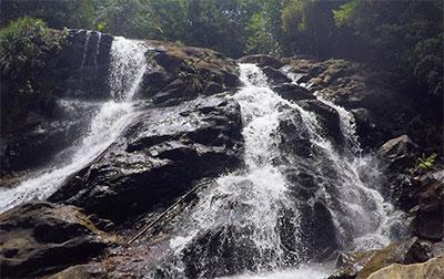 Wasserfall Sri Lanka - Reise Erfahrungen