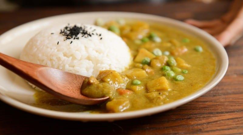 Vegane Proteinquelle Reis und Erbsen zum Proteine vegan abdecken