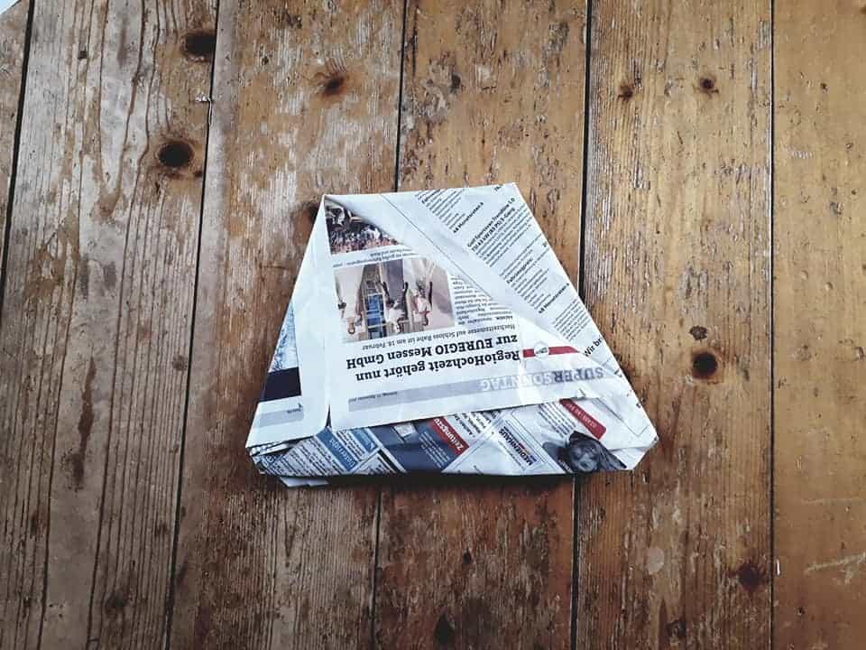 Zeitungspapier - Plastikfreie Mülltüten