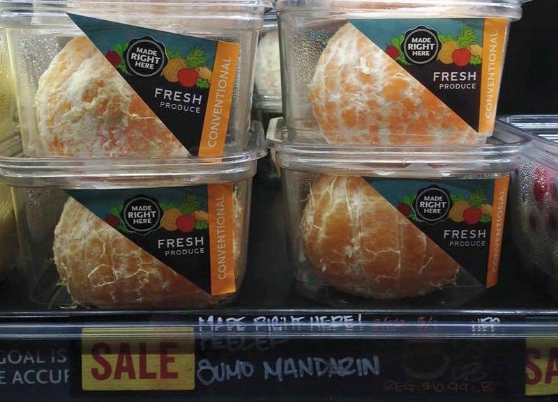Absurde Plastikverpackungen - Hier: Geschälte Mandarinen