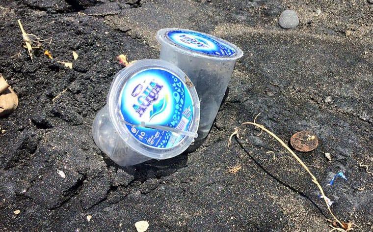 Absurde Plastikverpackungen für Wasser