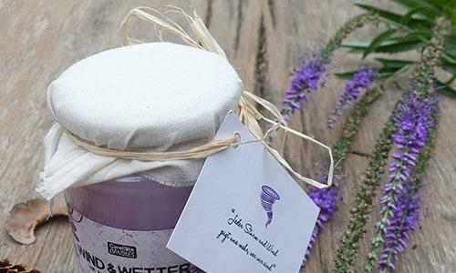 Fair produzierte Duftkerzen als Geschenk