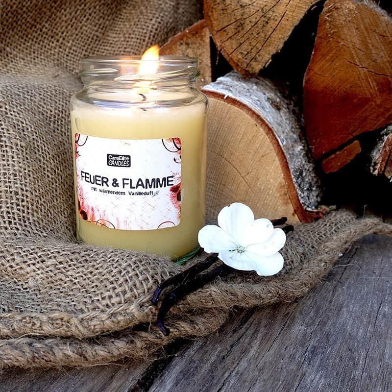 Duftkerze CareElite Candles Vanilleduft Kerze Feuer und Flamme
