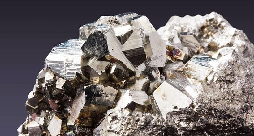 Seltene Erden Kritische Metalle in Smartphones und Handys
