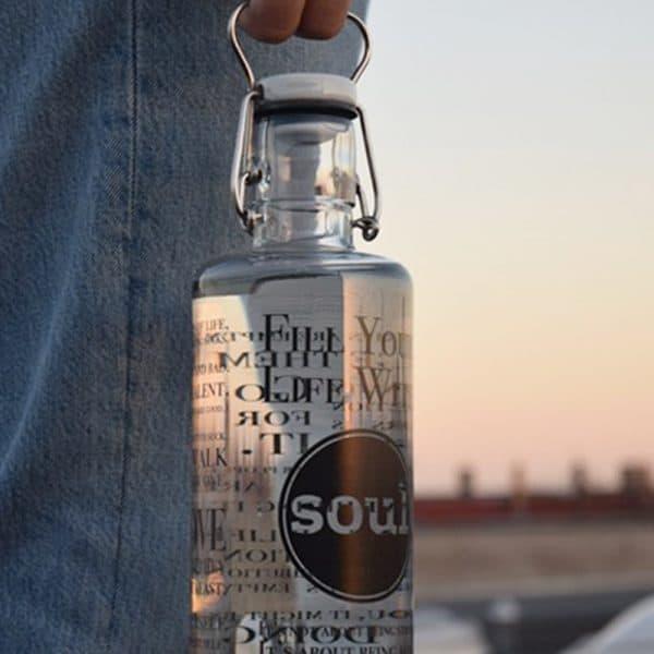 Grosse Glasflasche mit Bügelverschluss Trinkflasche aus Glas