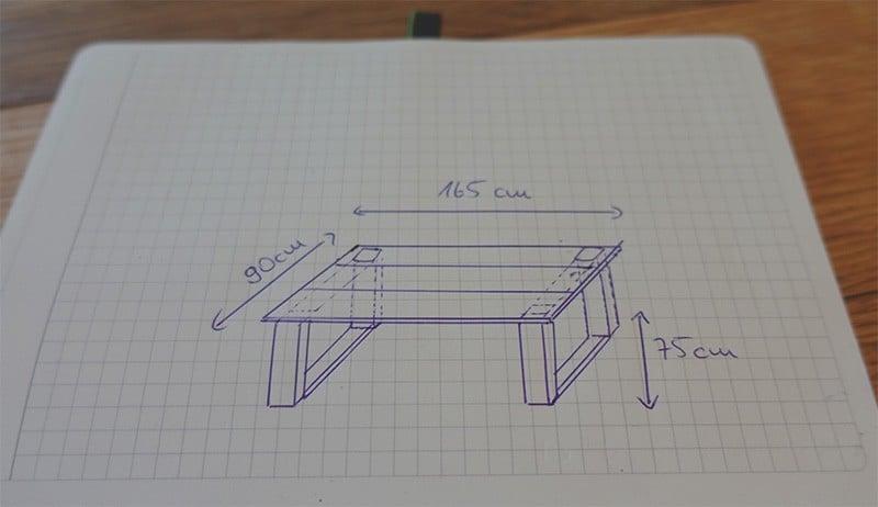 DIY Esstisch selber bauen aus Holzbohlen