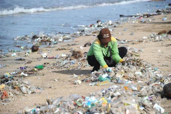 Plastikmüll in Bali Verbot von Einwegplastik