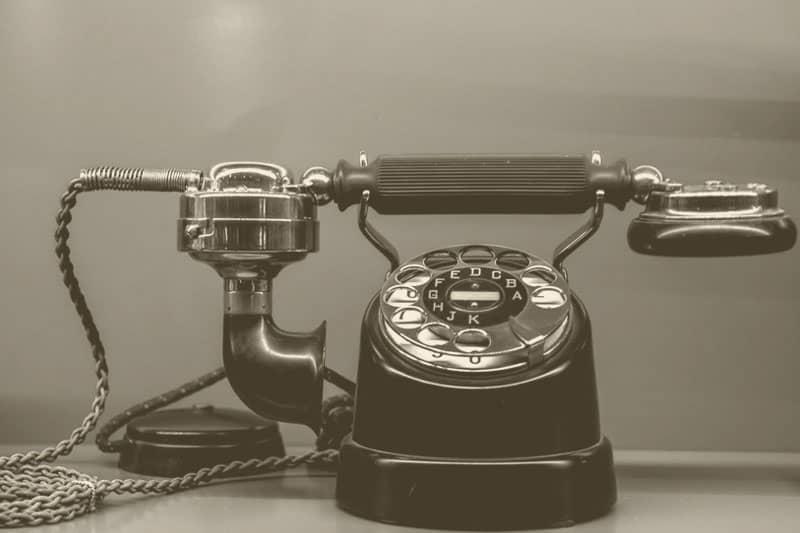 Nachhaltige Lifehacks Nachhaltigkeit Tipps im Alltag Telefon