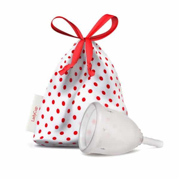 Menstruationstasse in weiß rotem Beutel