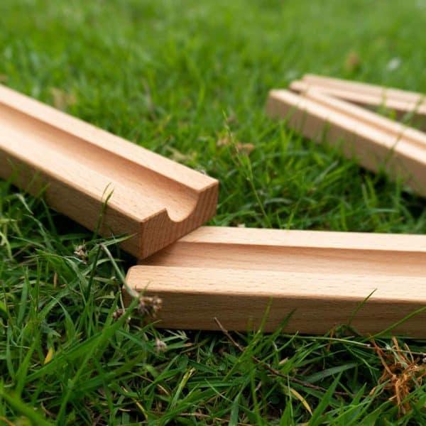 Umweltfreundliche Murmelbahn aus Holz