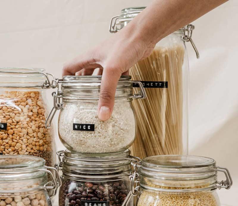 Ist vegan teuer? Pflanzliche Grundnahrungsmittel wie Nudeln und Reis
