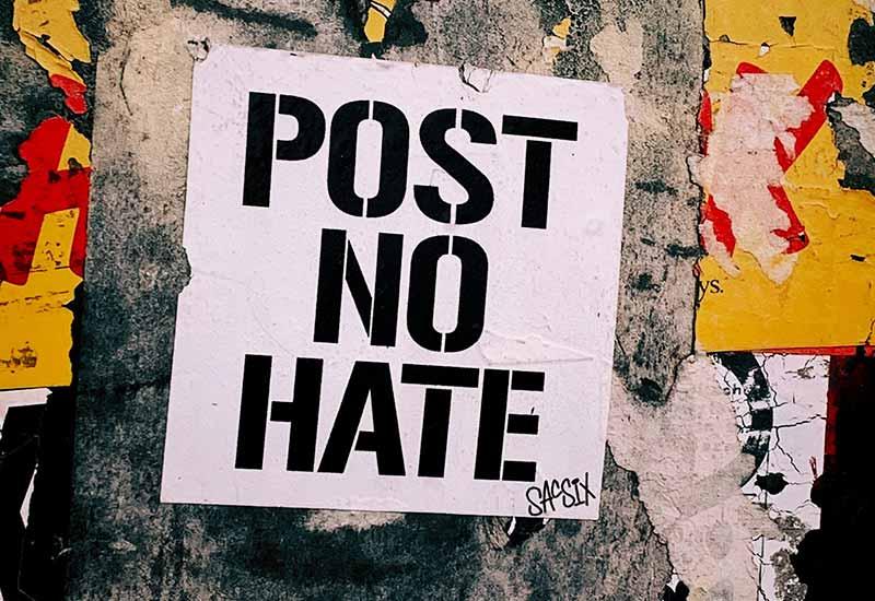 Keinen Hass im Internet posten