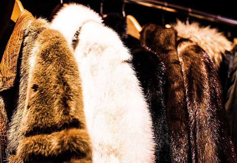 Mode mit Pelz am Haken