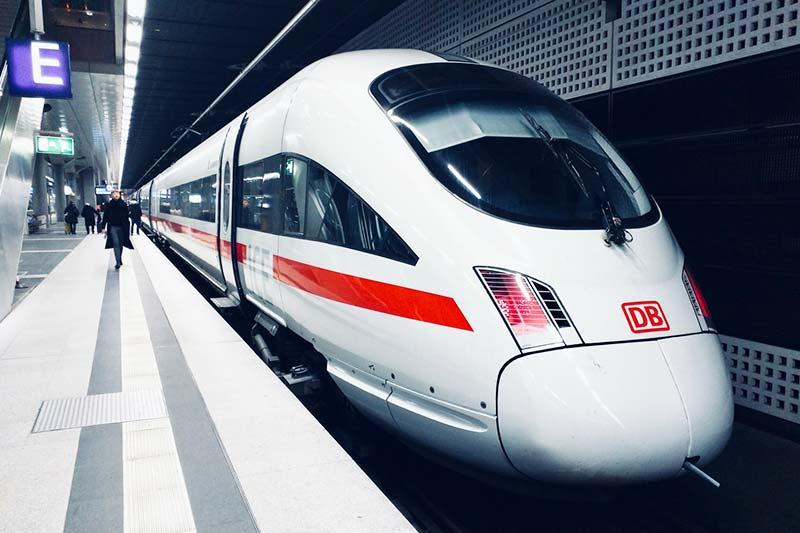 Anfahrt mit der Bahn ist deutlich nachhaltiger