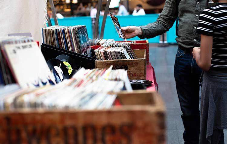 Warum Gebrauchtwaren wie Schallplatten kaufen?