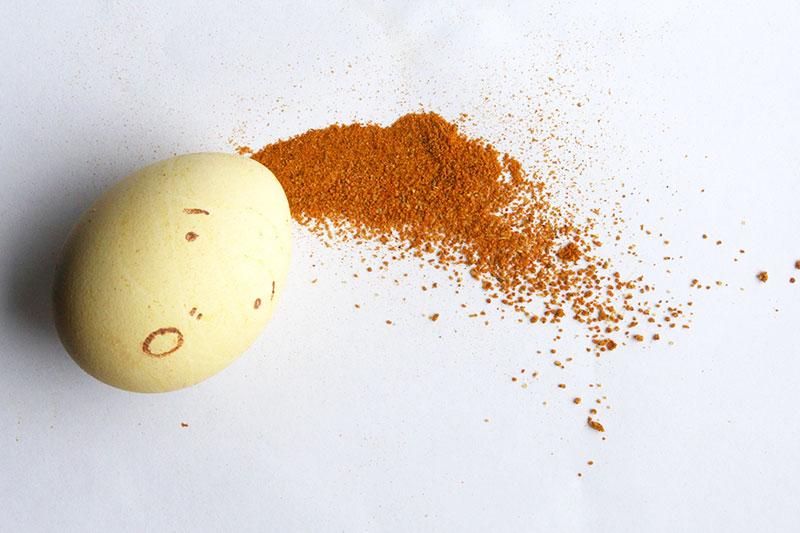 Eier mit Kurkuma pflanzlich ersetzen