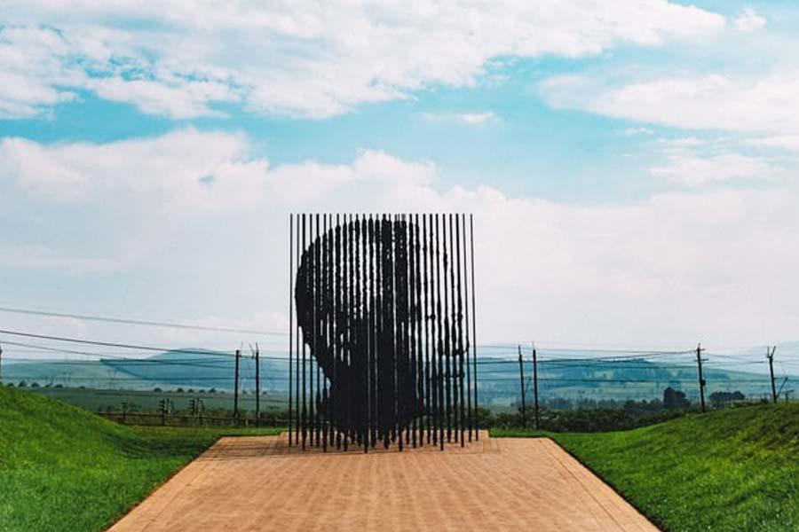 Kunstfigur von Nelson Mandela