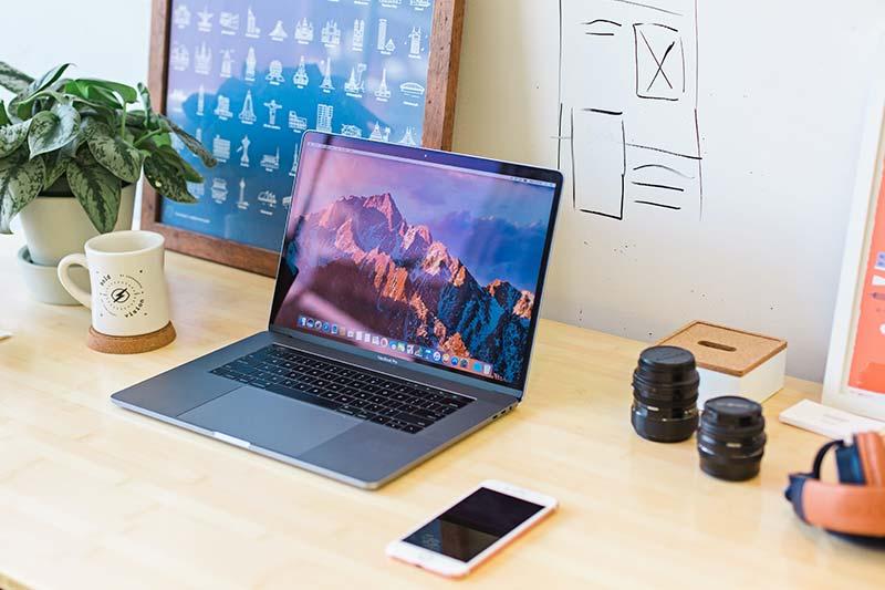 Refurbished Laptop und Smartphone