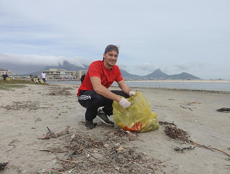 Umwelt schützen - Müll aufsammeln am Tafelberg